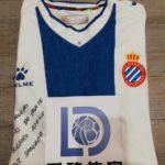 RCD Espanol con NOA camiseta Victor Sanchez